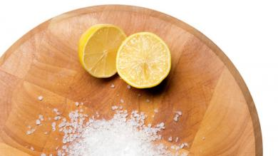 How to clean a chopping board