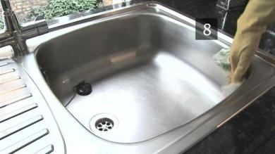 How to clean a kitchen sink?