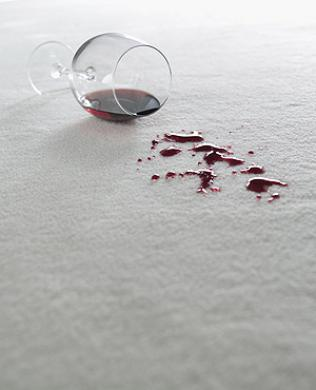 Cleaning red wine